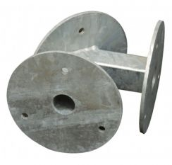 Mounting flange for 2 drinking bowls