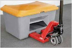 Container voor o.a. zoutopslag en zandopslag 200L met heftruck en schep opening